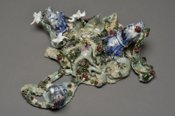 marlene-mocquet-hypogee-epigee-2014-gres-emaille-porcelaine-emaille-email-or-12x34x26cm-06-0f68b24b5ed51e94e06a9d53cb8d0810
