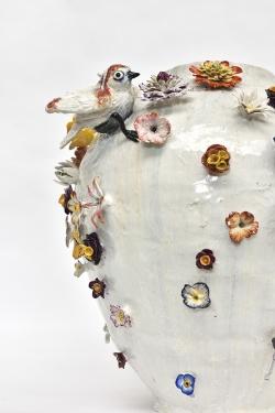 mocquet-vase-aux-fleurs-2020-38x38cm-gres-emaille-oeil-de-verre-web-detail-f50abde43dcb3235fb399abae7248a1f