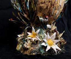 mocquet-vase-quenouille-a-l-oeuf-d-or-38x16x22cm-2018-detail00-web-c0ef462207340ea63d582bfb03c52770